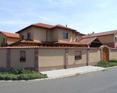 Napfényes családi ház